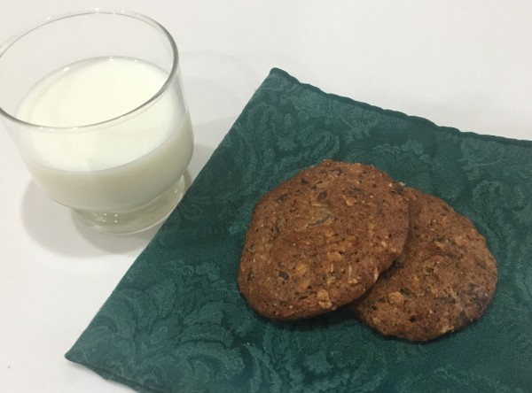 cookie and milk small